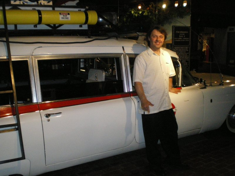 Peter Mosen s ecto-1(star cars museum) 210