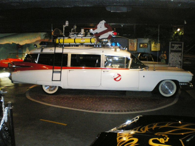 Peter Mosen s ecto-1(star cars museum) 510