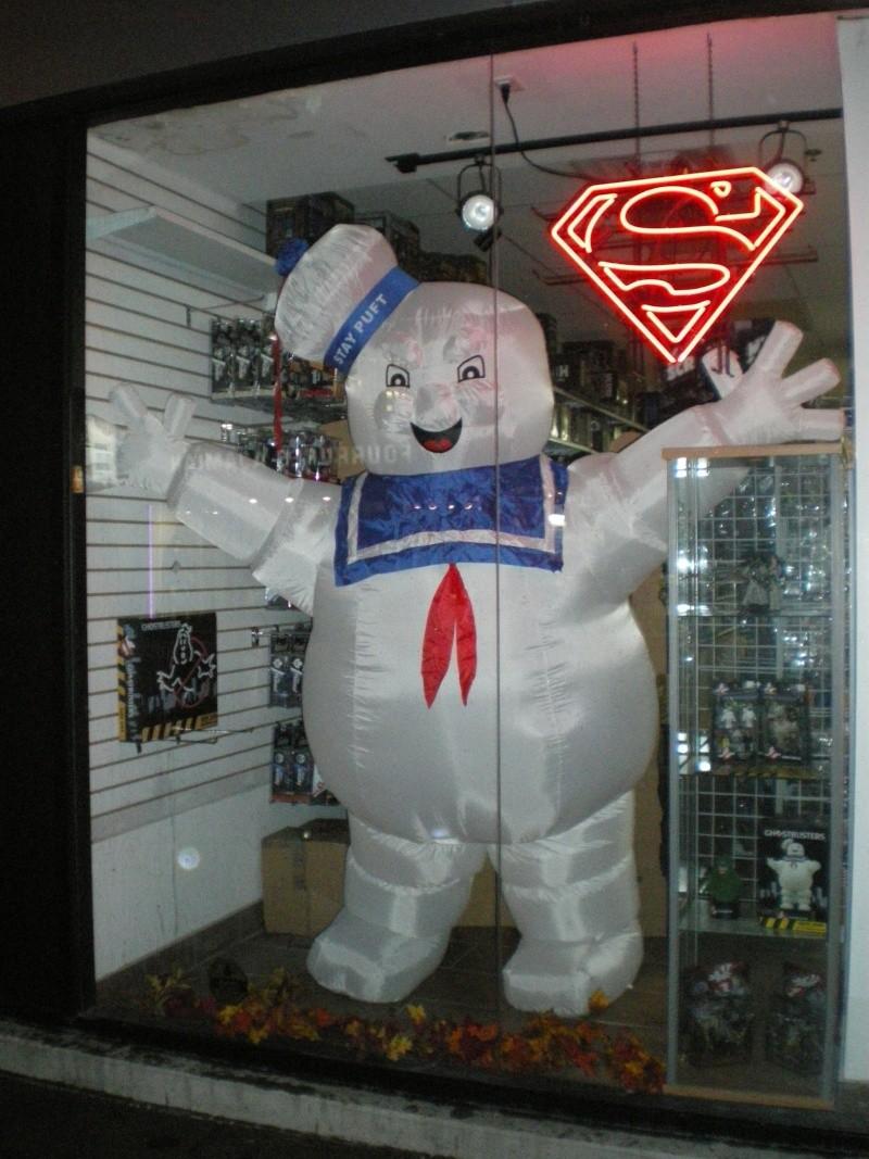 La vitrine du magasin Legends avec le Stay puff  Imgp5816