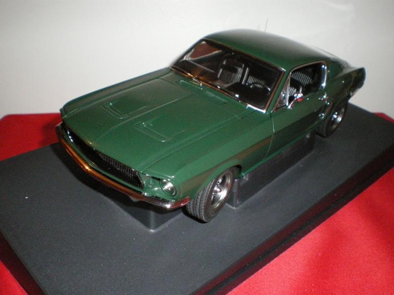 Mustangs 1968 à l'échelle 1:18  Imgp6141