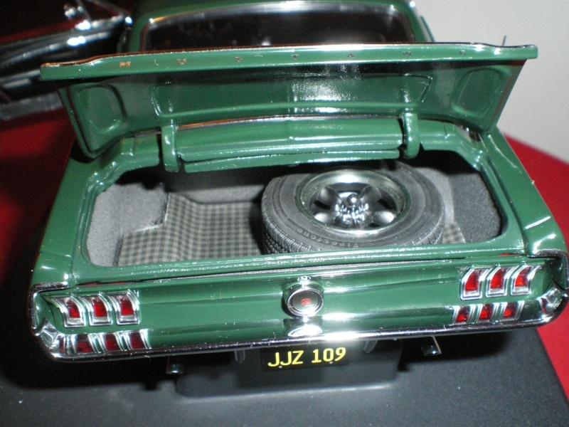Mustangs 1968 à l'échelle 1:18  Imgp6146
