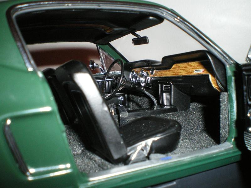 Mustangs 1968 à l'échelle 1:18  Imgp6147