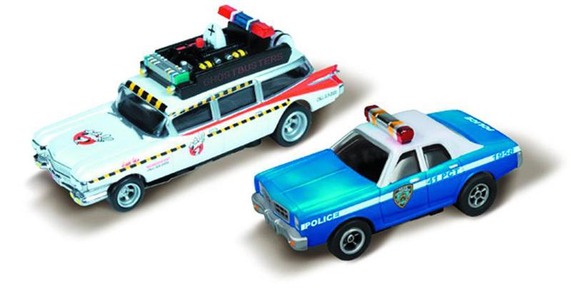 Piste de course sos fantomes ecto-1a  et voiture de police  T2ec1614