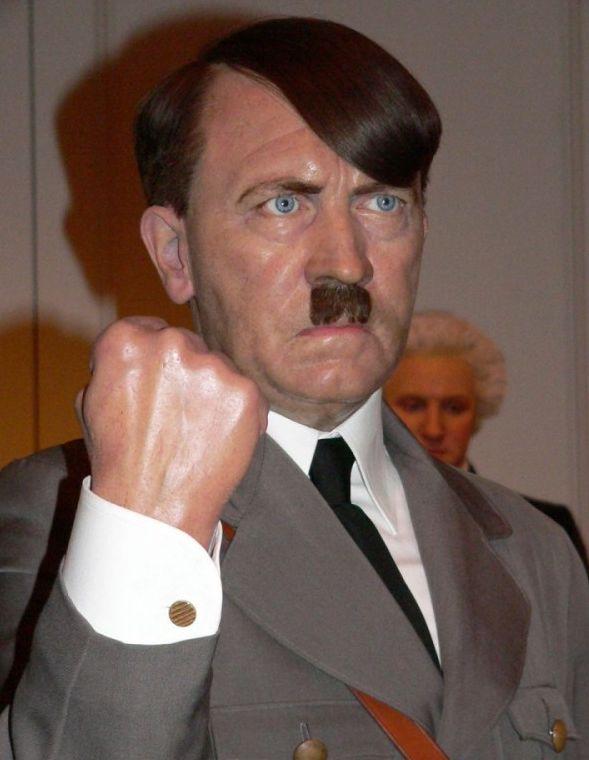 Un Adolfo Hitler de cera Adolfo10