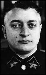 Purga en el Ejército Soviético (1) Tukhac10