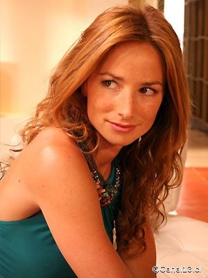 María José Prieto Violet10