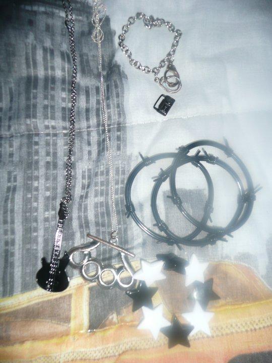 Bijoux collier guitare, bracelet étoile, pendentif radio 26365610