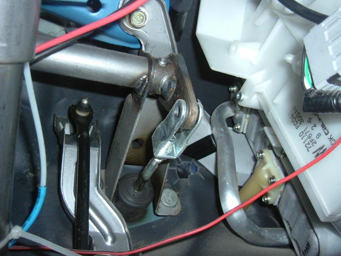 Cylindres émetteur/récepteur d'embrayage 05_axe10