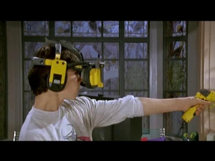 PS3 - Le visiocasque 3D HMZ-T1 de Sony Vlcsna11