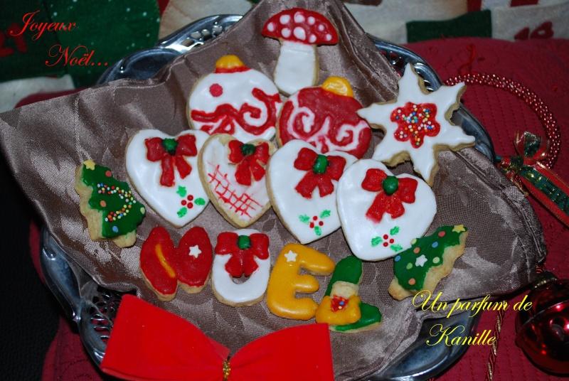 Décembre 2011 : biscuits décorés Biscui10