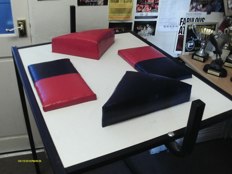 CHEAP -  armwrestling table - for sale Armwre29