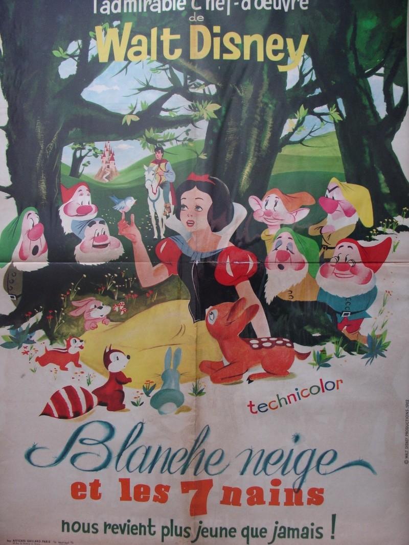 Blanche Neige et les Sept Nains [Walt Disney - 1937] - Page 3 Dsc06410