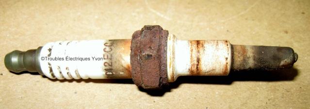 Truc pour enlever une bougie cassée dans la tête moteur Bougie11