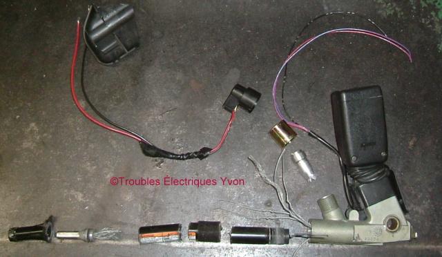 Ceinture de sécurité Honda avec prétensionneur explosé Dscf3010