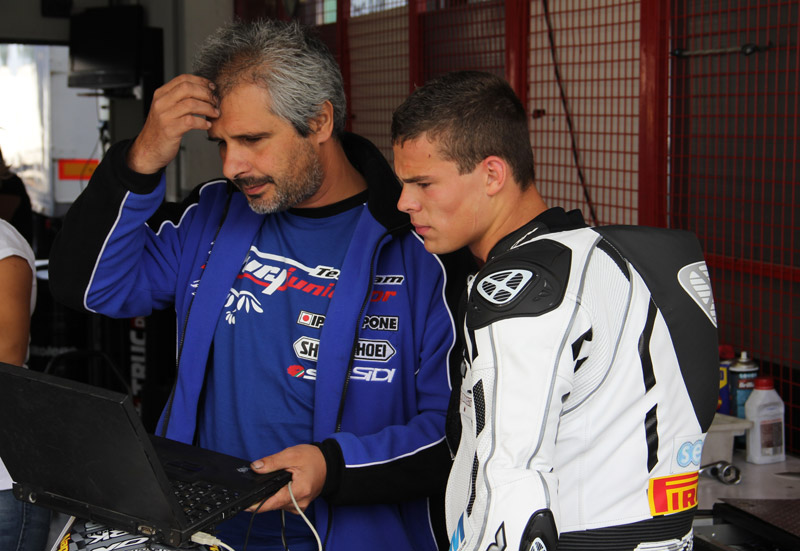 [FSBK] Magny Cours, 17 juillet 2011 - Page 3 Img_7915
