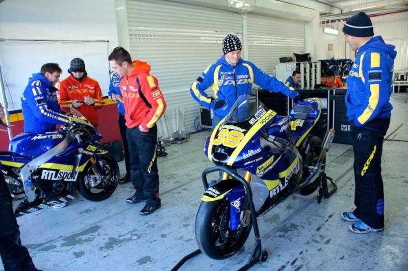 [Moto2 et Moto 3] Test Valencia du 8-10 février 2012 Moto2-10