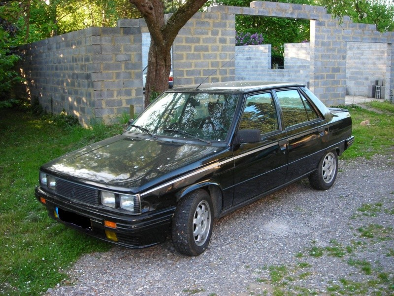 R9 Turbo noire Dscn1012