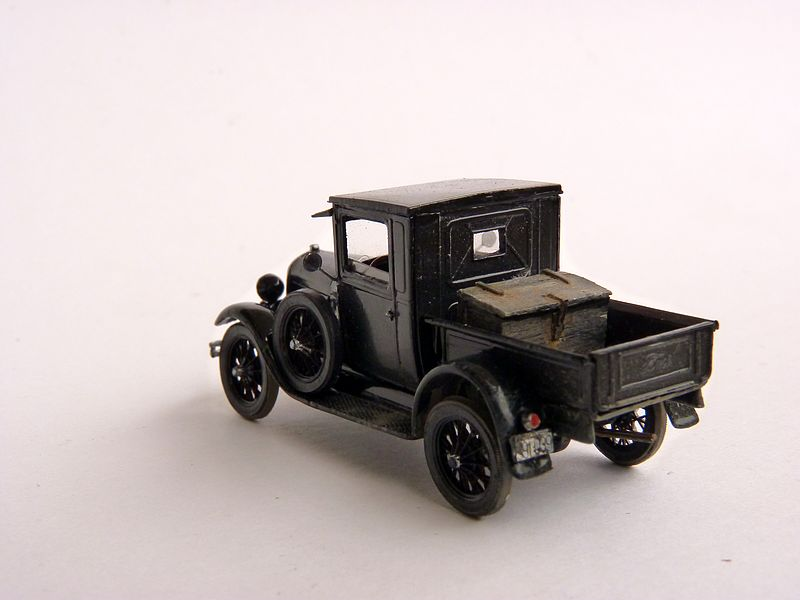 1928 Model A Ford Pickup Truck, 1:87 P1100017