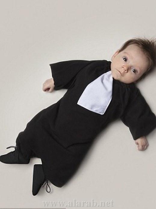 بالصور : فرنسي يتخيل مستقبل رضيعته من راقصة باليه إلى جزارة 20120313