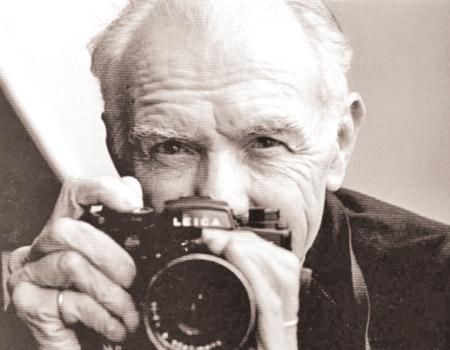 جوجل يحتفل بالذكرى الـ100 لميلاد المصور روبير دوانو 55ab3510