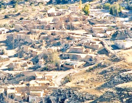 من ينقذ البيوت التراثية في قرية السلع ؟ D5c0c110