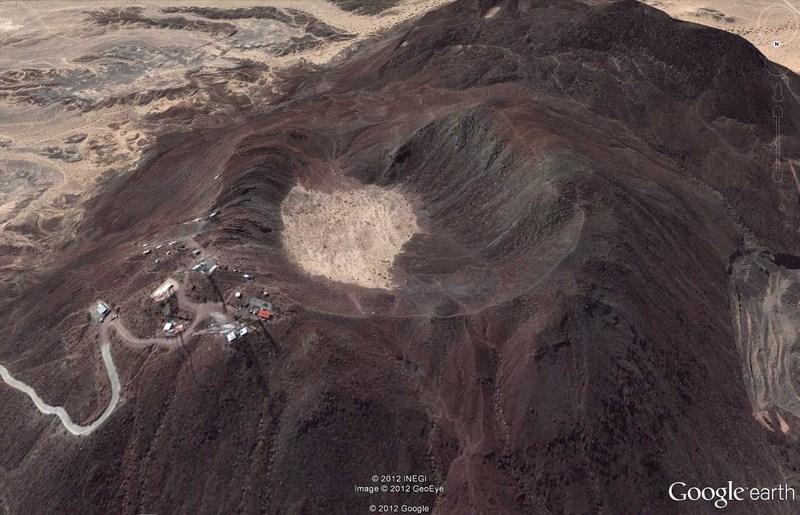 Volcan taggé du Cerro Prieto, Mexique 2012-027