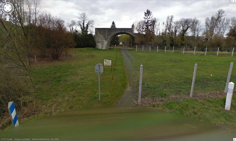 Le pont ... sans voie à Saint-Vaast-de-Longmont, Oise, Picardie - France 2012-196