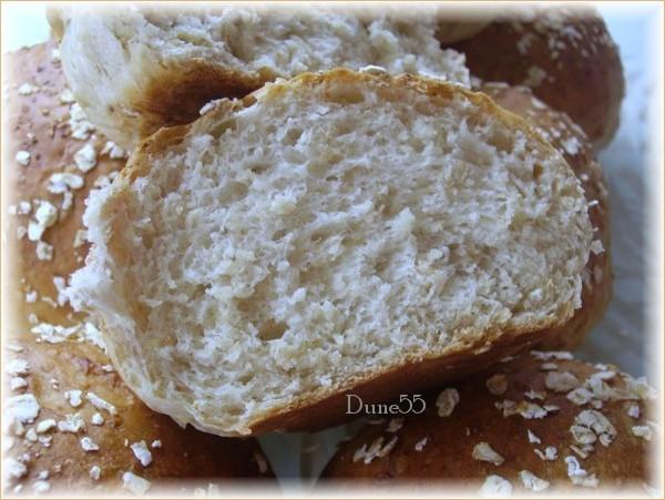 Petits pains aux flocons d'avoine et au sirop d'érable 24353712