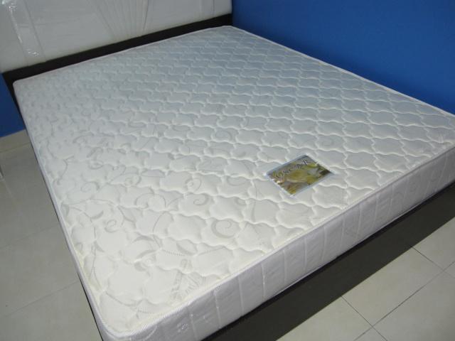 Queen Size mattresses (Oscar - Deluxe Comfort) Img_4013