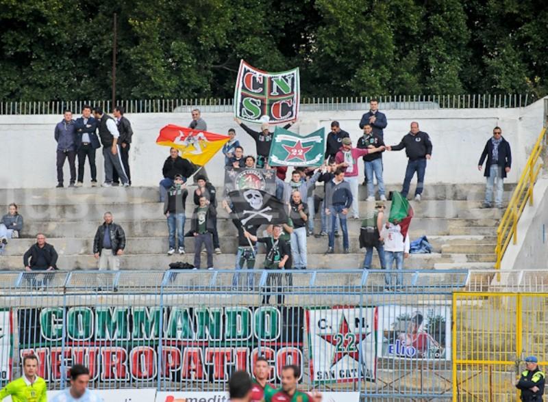Stagione Ultras 2011-2012 - Pagina 2 27_akr11