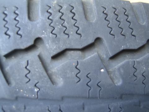 (Vendu]4  roues neige CONTINENTAL pour VIANO Img_0710