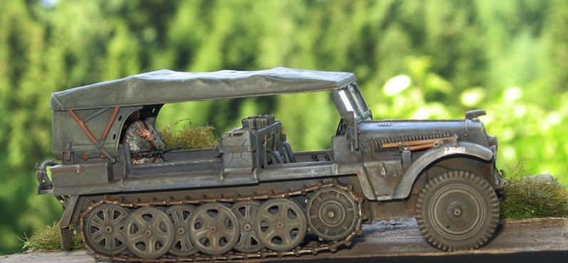 Sd.Kfz.10 Demag 7 (rabiot+scratch) Italeri 1/35   FINI! - Page 2 Img_0140