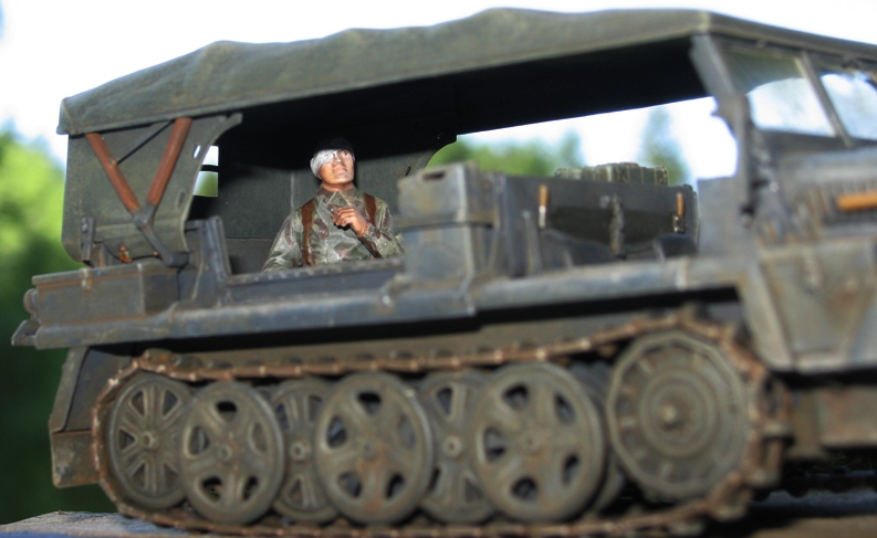 Sd.Kfz.10 Demag 7 (rabiot+scratch) Italeri 1/35   FINI! - Page 2 Img_0142