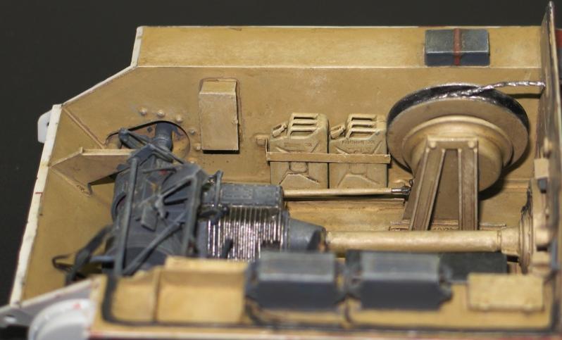 Bergepanzer Hetzer  Thunder Model 1/35 - Page 2 Img_0219