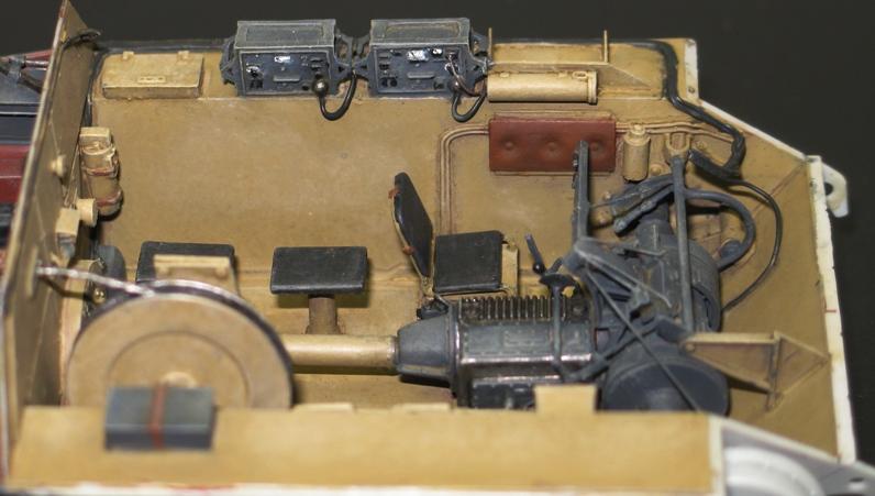 Bergepanzer Hetzer  Thunder Model 1/35 - Page 2 Img_0220
