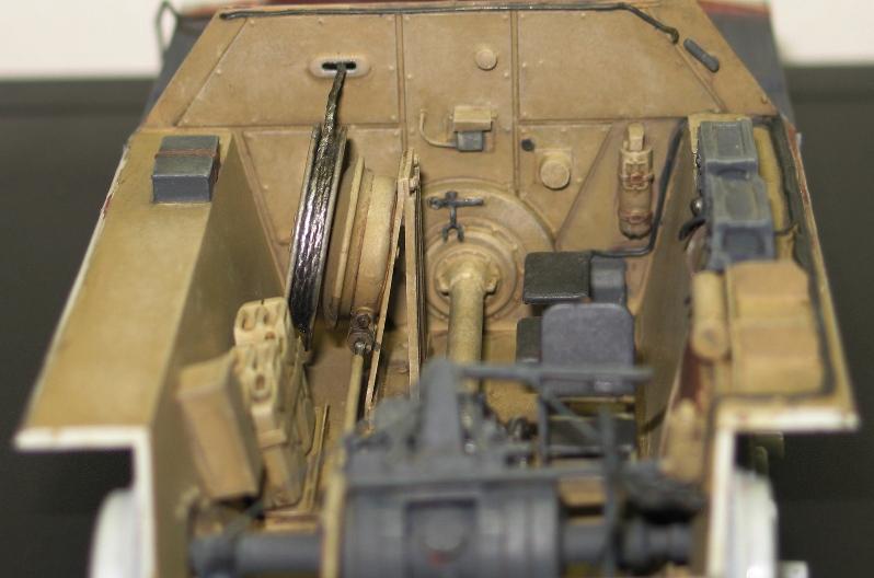 Bergepanzer Hetzer  Thunder Model 1/35 - Page 2 Img_0225