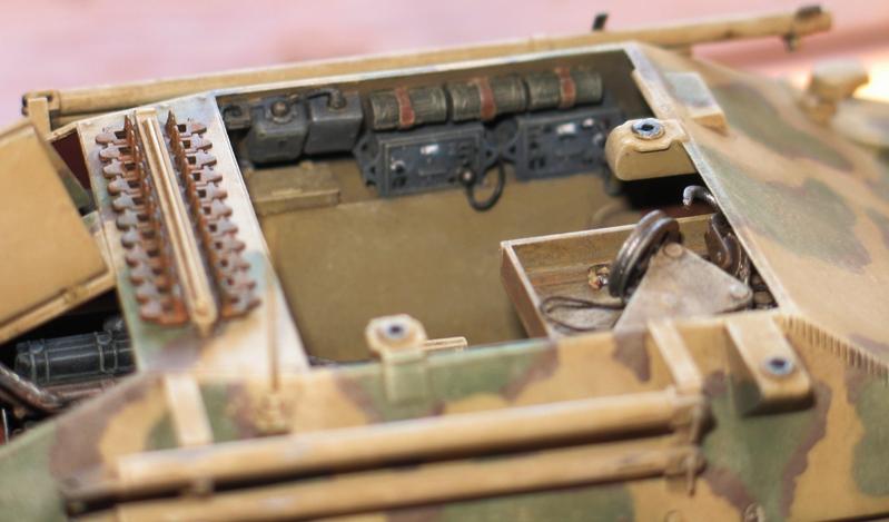 Bergepanzer Hetzer  Thunder Model 1/35 - Page 3 Img_0228