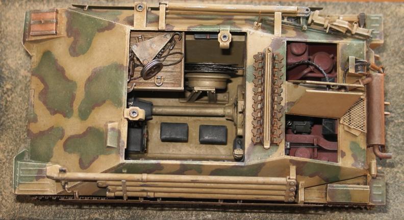 Bergepanzer Hetzer  Thunder Model 1/35 - Page 3 Img_0230