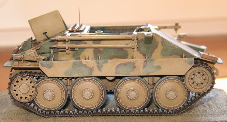 Bergepanzer Hetzer  Thunder Model 1/35 - Page 3 Img_0234