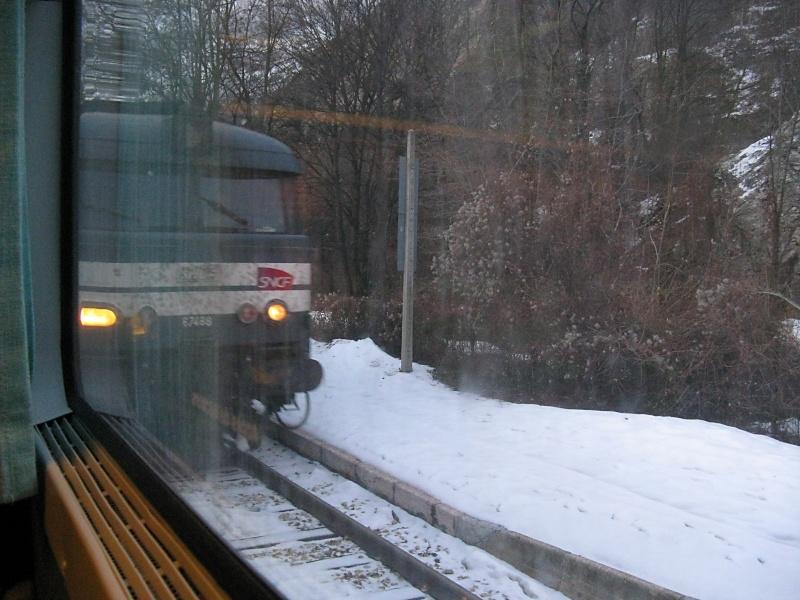 Regard depuis un train, c'est ici... Img_1610