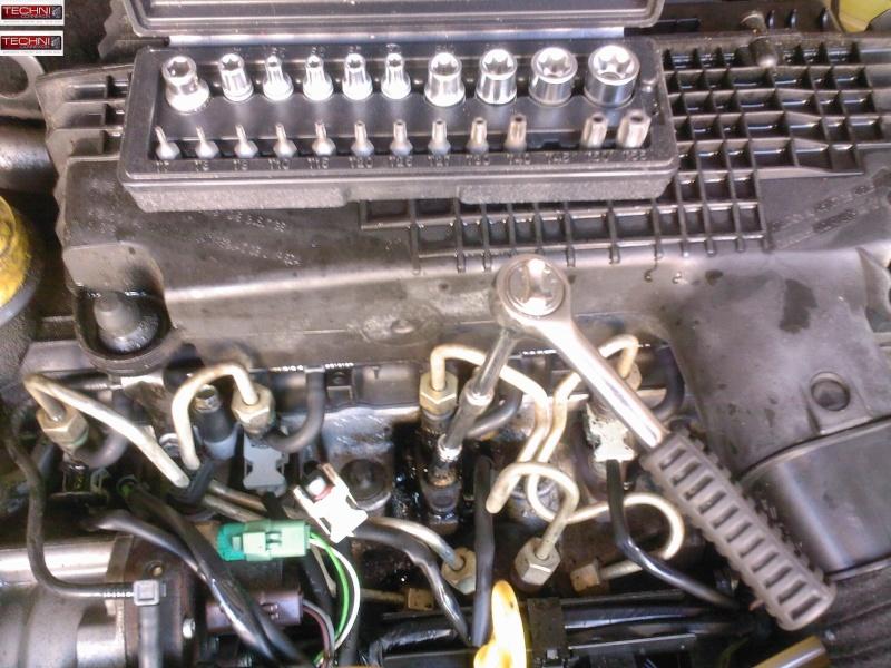 [ Renault Clio 2 1.5 DCI an 2002 ] fuite sur injecteur ( Resolu ) + ( tuto ) Sp_a0220