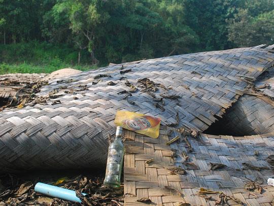 Vang Vieng : entre Laos sauvage et débauche occidentale Demoli10