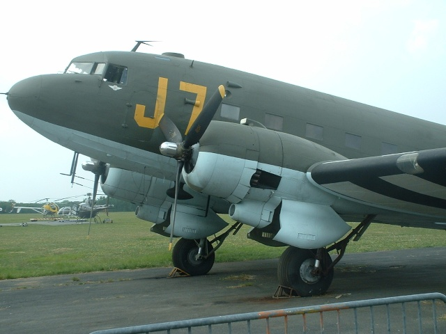 [Les anciens avions de l'aéro] Douglas C-47D Dakota Dak10