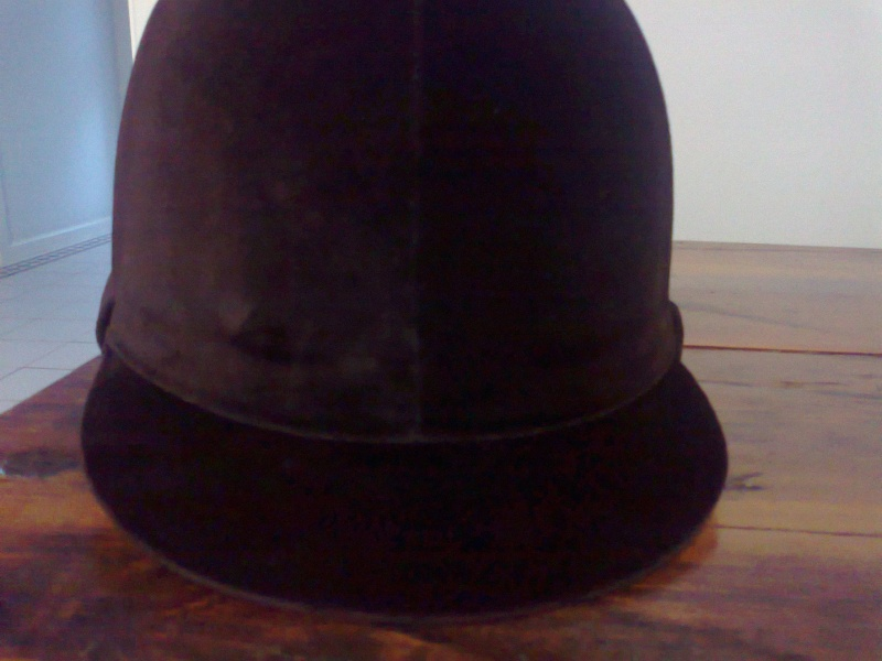 Old style velvet hunt cap/helmet? Photo057