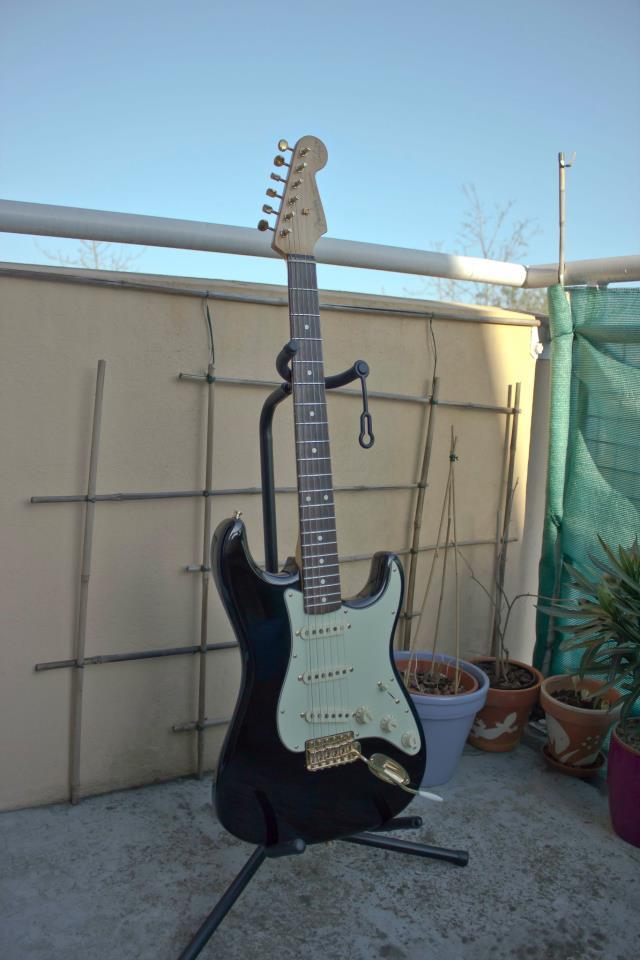 Photos de vos guitares. - Page 3 55110810