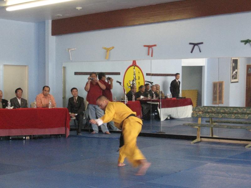 Thi Lên Đai - Tứ đẳng VS Huy and Ngũ đẳng VS Đức on Oct. 9, 2011 Img_7013