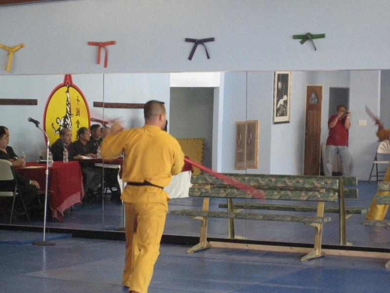 Thi Lên Đai - Tứ đẳng VS Huy and Ngũ đẳng VS Đức on Oct. 9, 2011 Img_7017