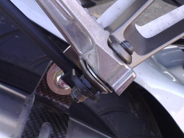 [Tuto] Support tubulaire pour sacoches cavalières monté sur le support Top Case Givi 03052010