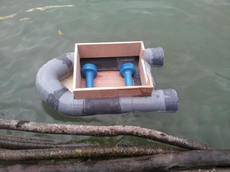 bateau amorceur - mon bateau pvc  2110