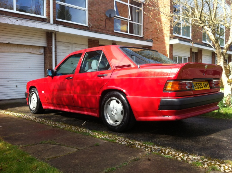 Revell : Mercedes-Benz E230 Lorinser (W124) Red-am10